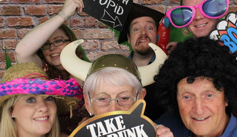 photo booth hire flintshire